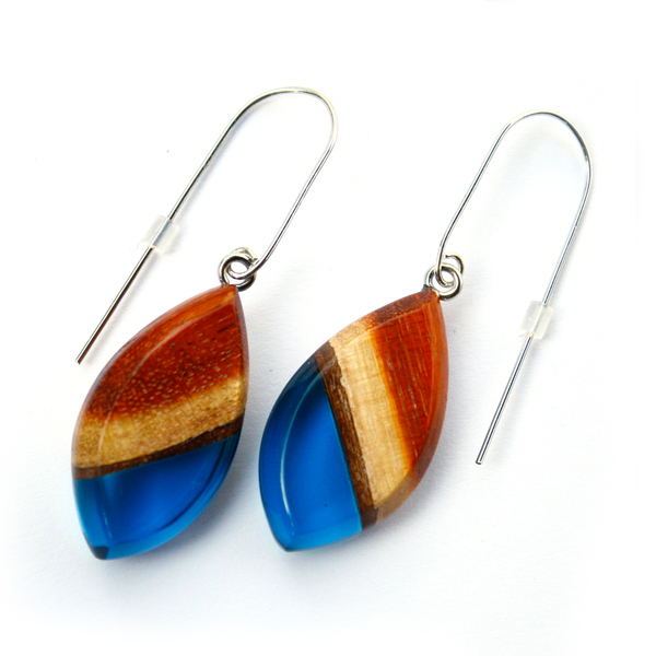 Redwood dangle earrings in navy blue