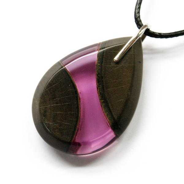 Tear drop greywood pendant in violet