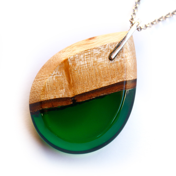 Tear drop mahogany pendant in forest green