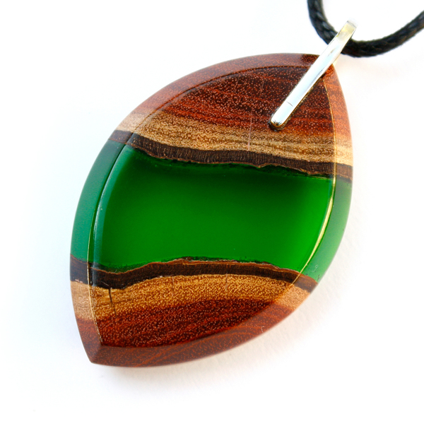Eye redwood pendant in forest green