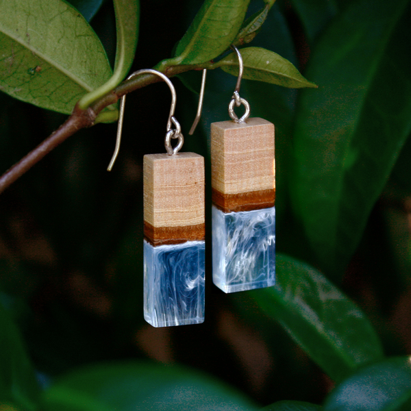 Lily dangle earrings in sky blue