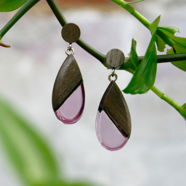 Greywood dangle earrings in violet