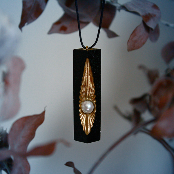 Ensis Necklace