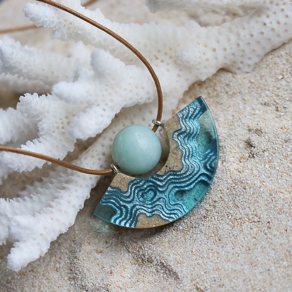 Reef curve beach sand and resin necklace with amazonite