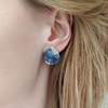 Ridge small beach sand and dark blue resin earrings